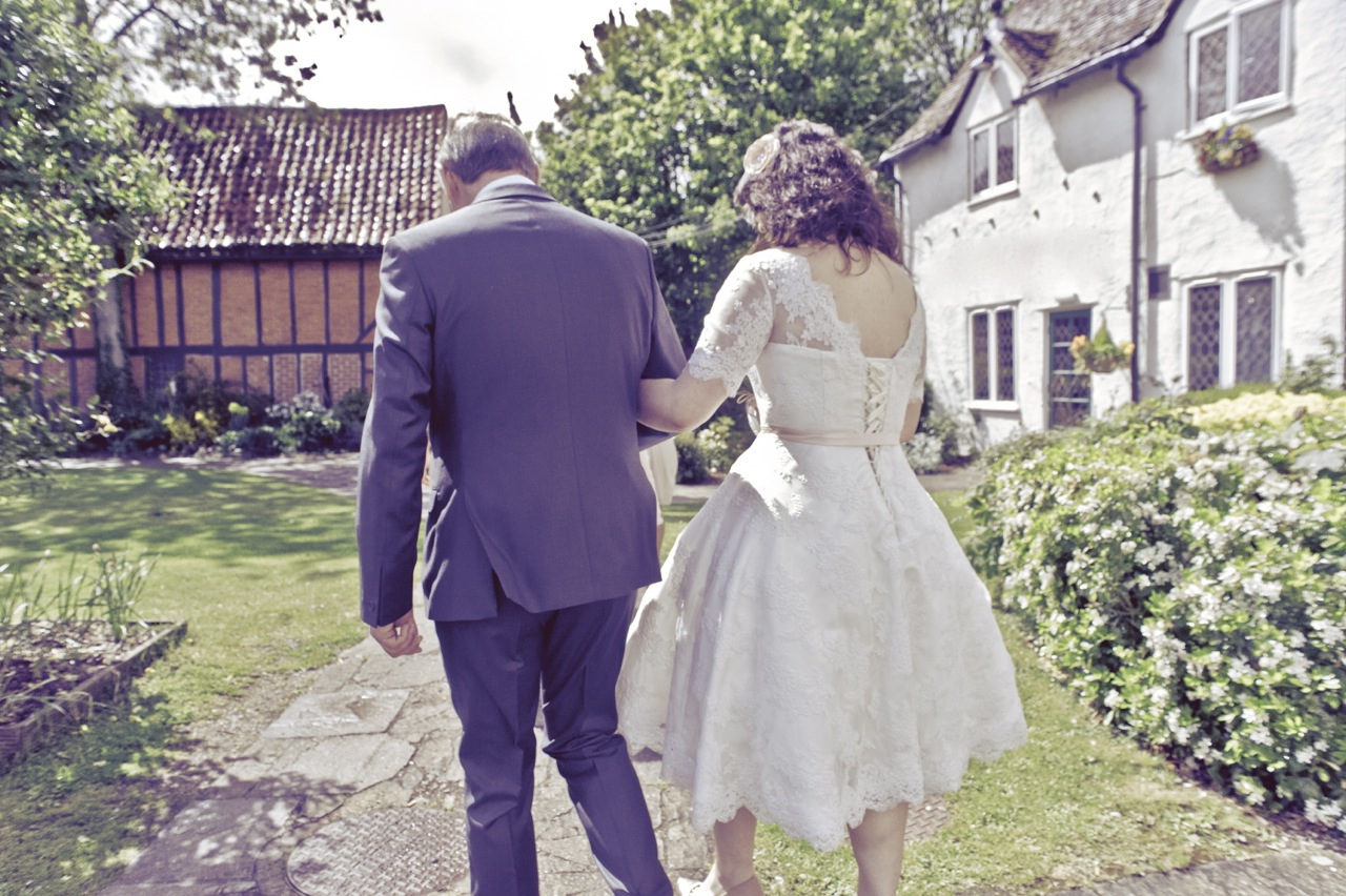 A Rustic and Romantic Barn Wedding at The Tithe Barn, Bedfordshire ...
