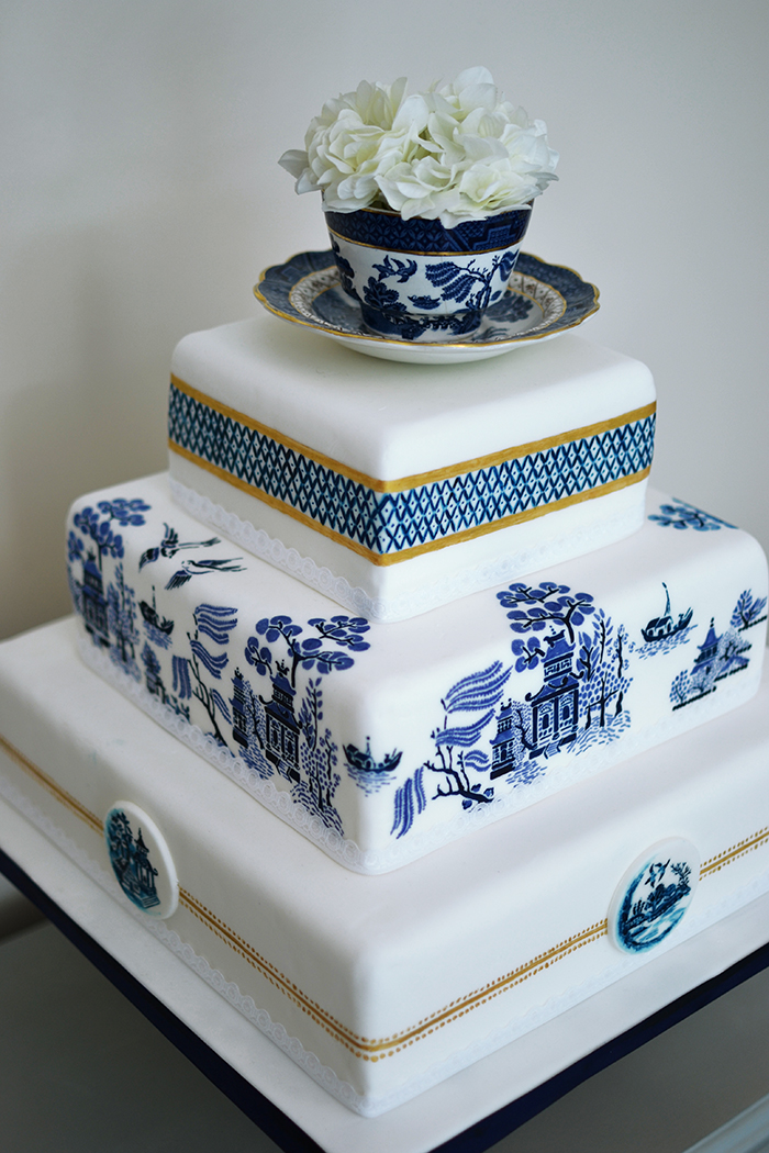 A Stunning Willow Pattern Hand Painted Wedding Cake By